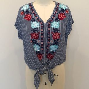 Entro Floral Embroidered Top